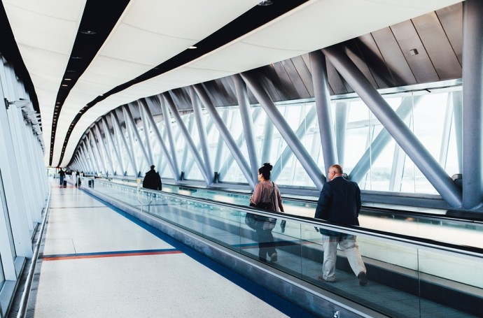 A Guide to Surviving a Long Layover