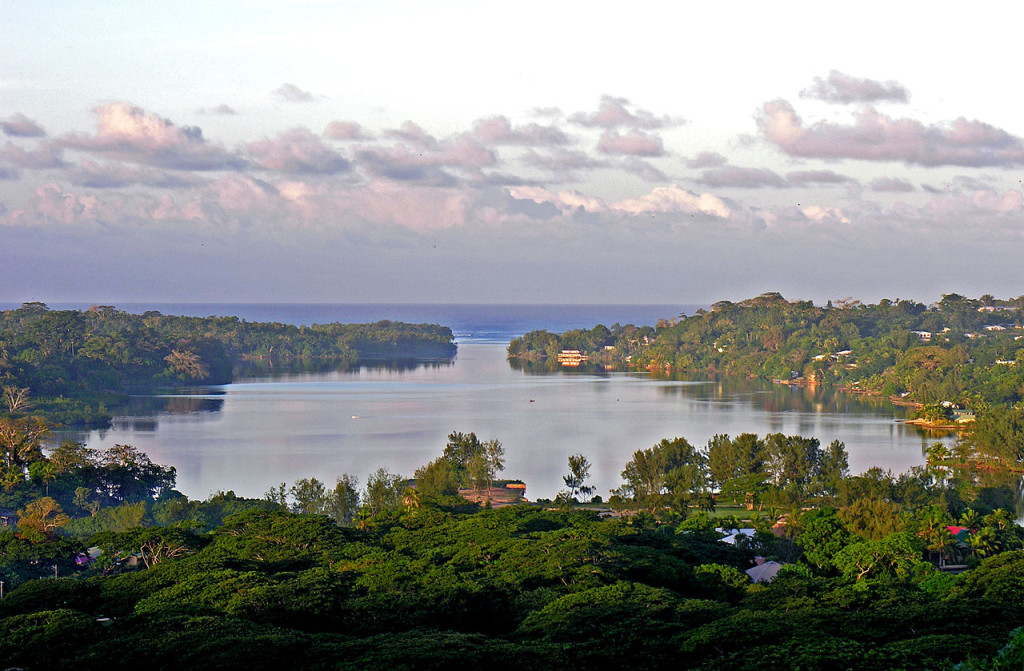 1280px-view_from_montmartre_port_vila_vanuatu_1_june_2006_-_flickr_-_phillipc