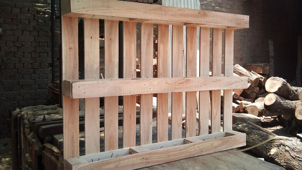 wooden_pallet_makers_in_lahore_pakistanscolib_traders