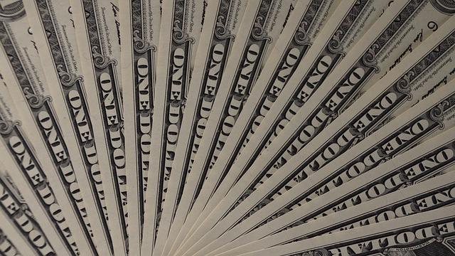 money-1298029_640